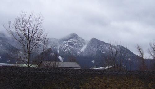 Snowy_cliffs_1